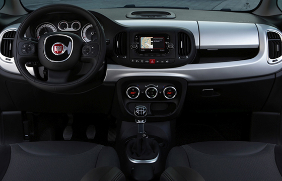 Fiat 500L Beats Edition - interior